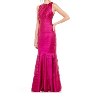 KAY UNGER Stretch Formal mermaid maxi Gown Dress